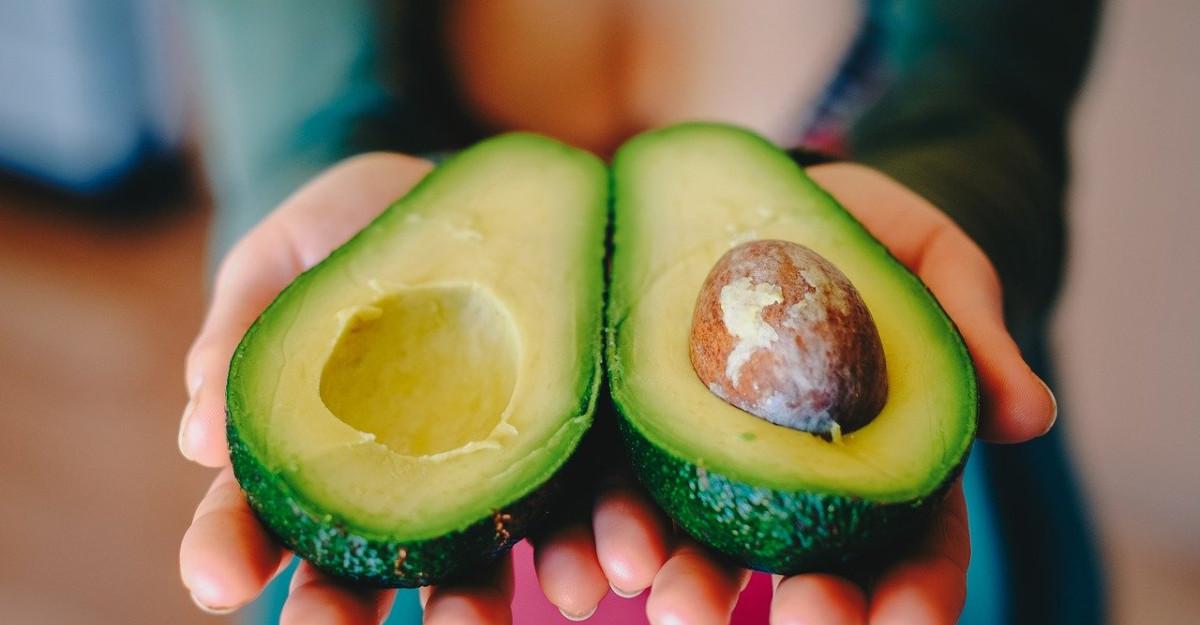 Cele mai bune măști pentru păr cu avocado