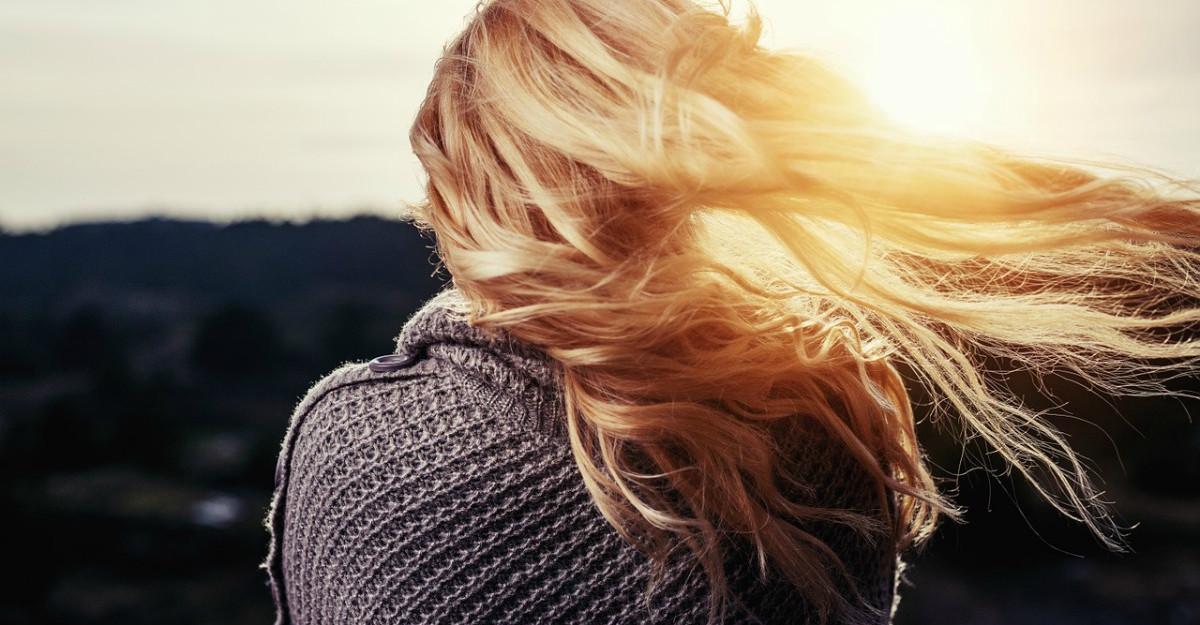 3 trucuri pentru a opri rapid căderea părului