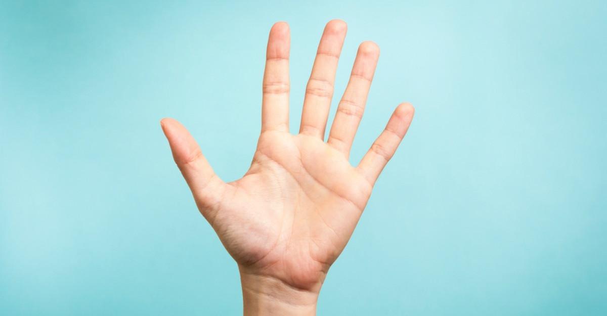 Bolile pot fi citite in palme. Invata cum sa faci asta si vei scapa de multe probleme