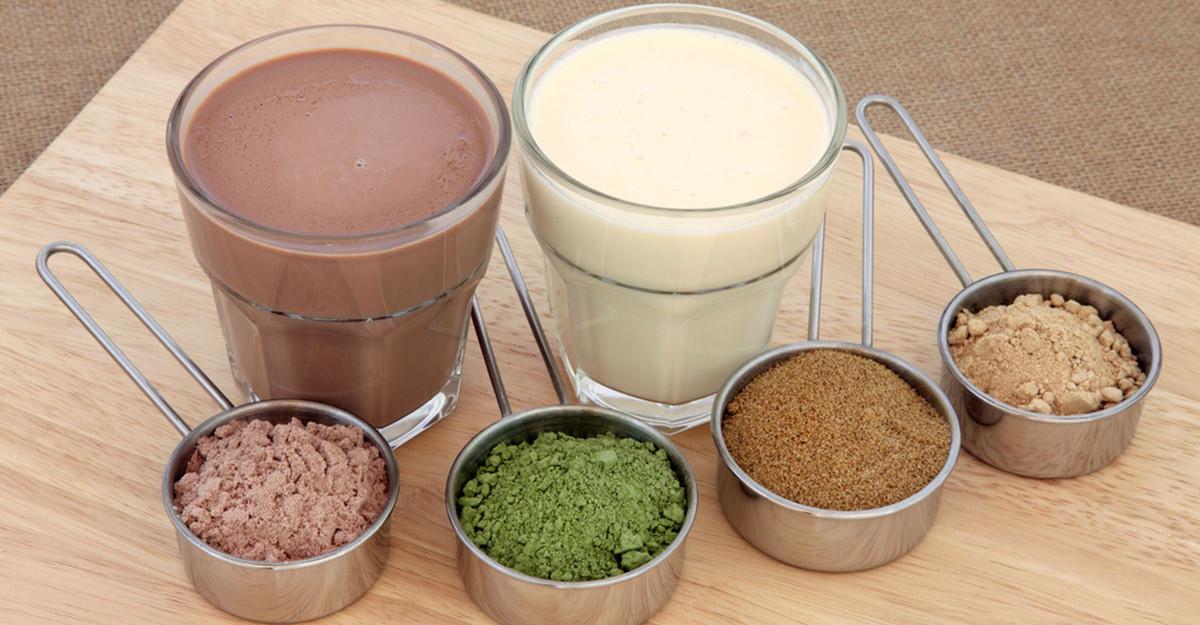 10 Pudre alimentare delicioase pe care să le adaugi în smoothie-uri