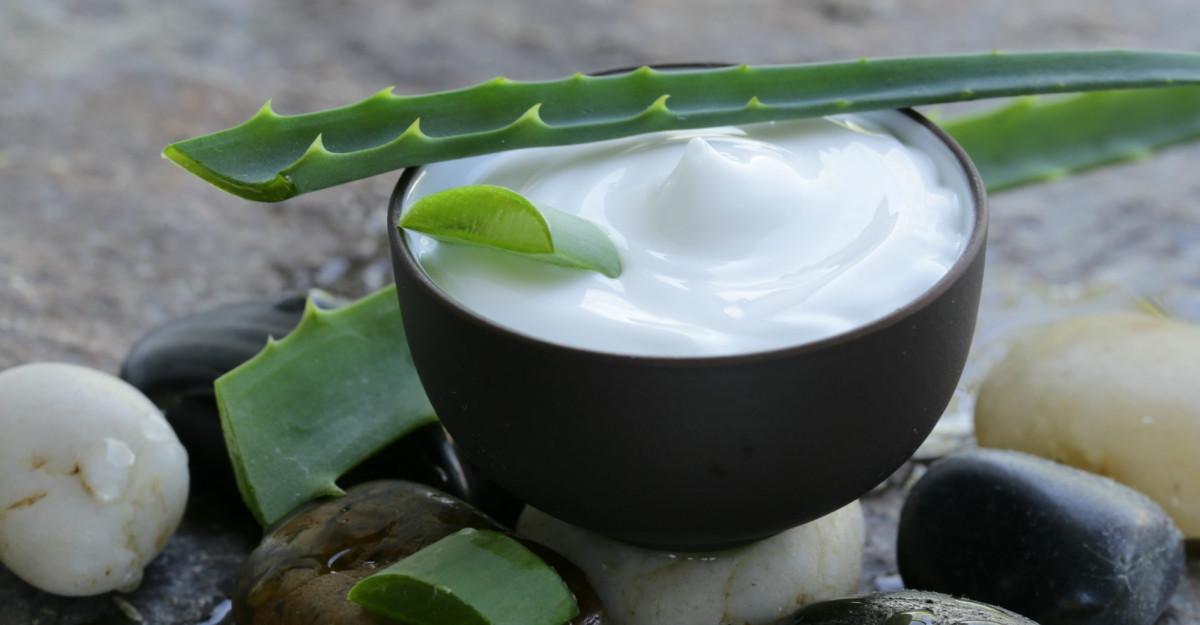 E vremea pentru un răsfăț natural cu produse din gama Dr. Organic Aloe Vera