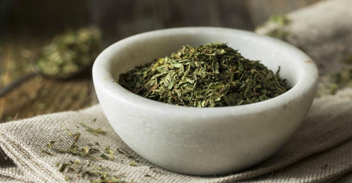 Condimentul 100% romanesc care poate inlocui sarea