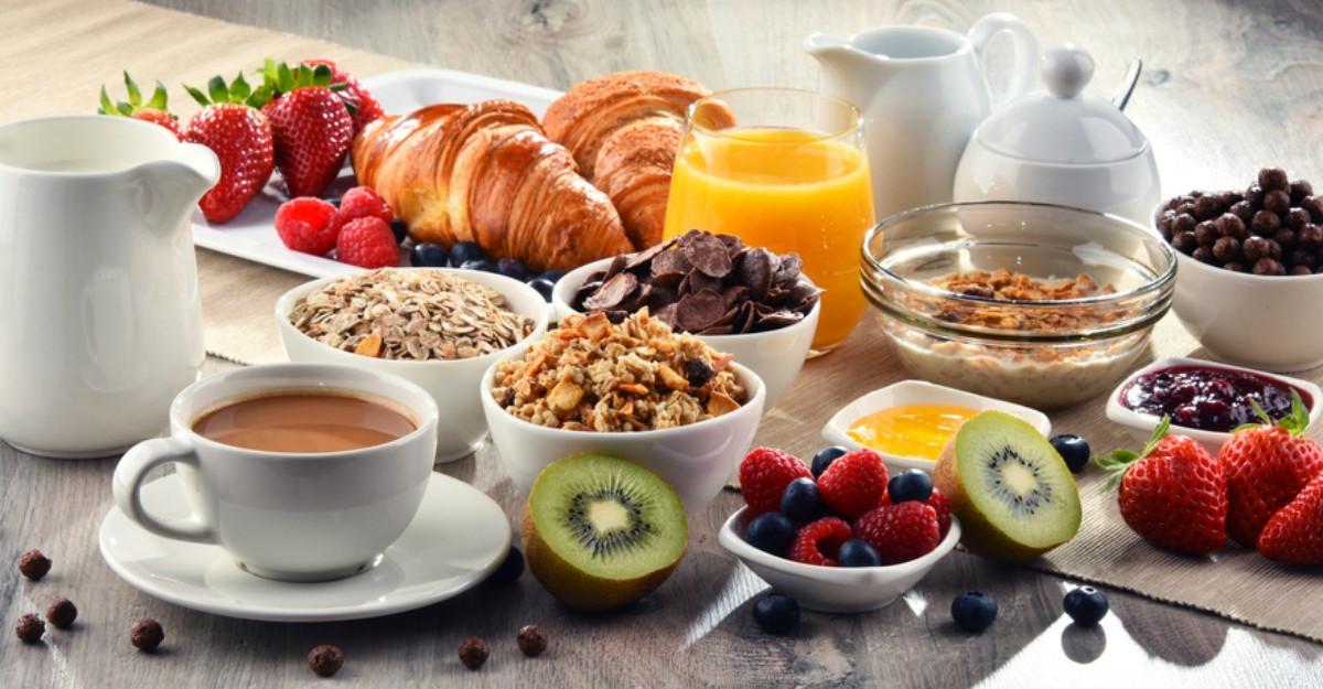 Un medic recomanda trei ingrediente esentiale pentru un mic dejun sanatos