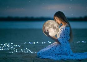 26 August, Luna Plina in Pesti. Este timpul sa facem ordine in vietile noastre