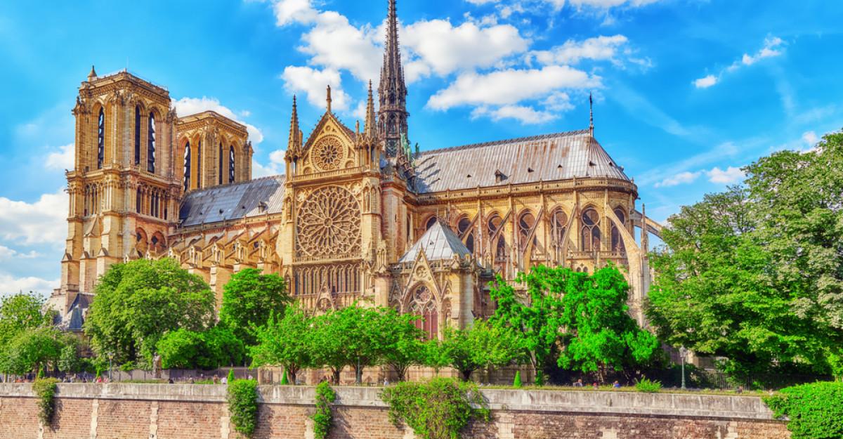 Donatii de sute de milioane de euro pentru reconstructia Catedralei Notre Dame de Paris