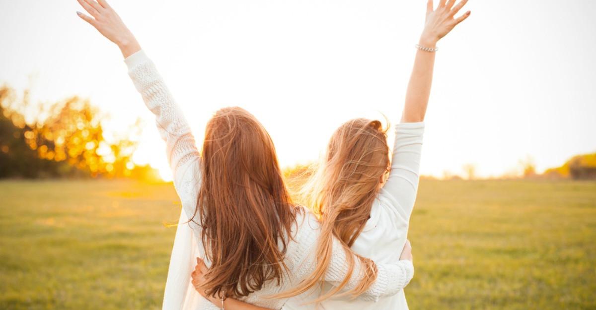 Cum sa fii o prietena buna daca esti introvertita