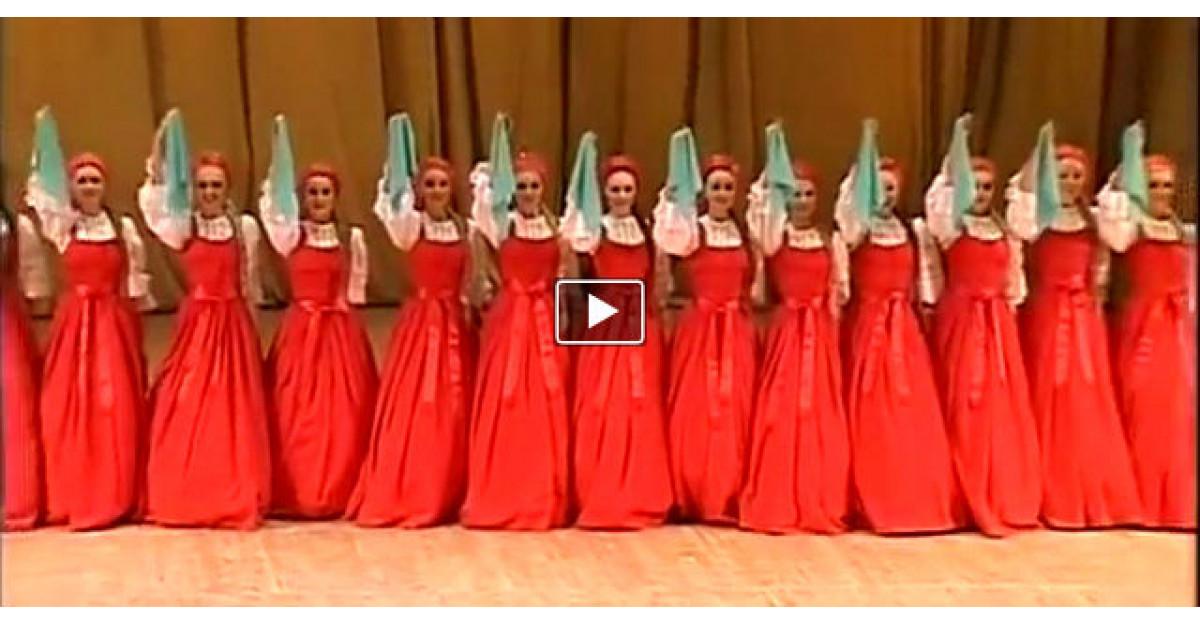 Video: Danseaza atat de bine incat parca PLUTESC. Nu pot sa imi desprind privirea