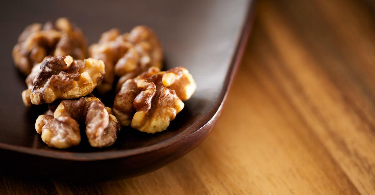 Reteta lui Jamie Oliver: nuci prajite in caramel