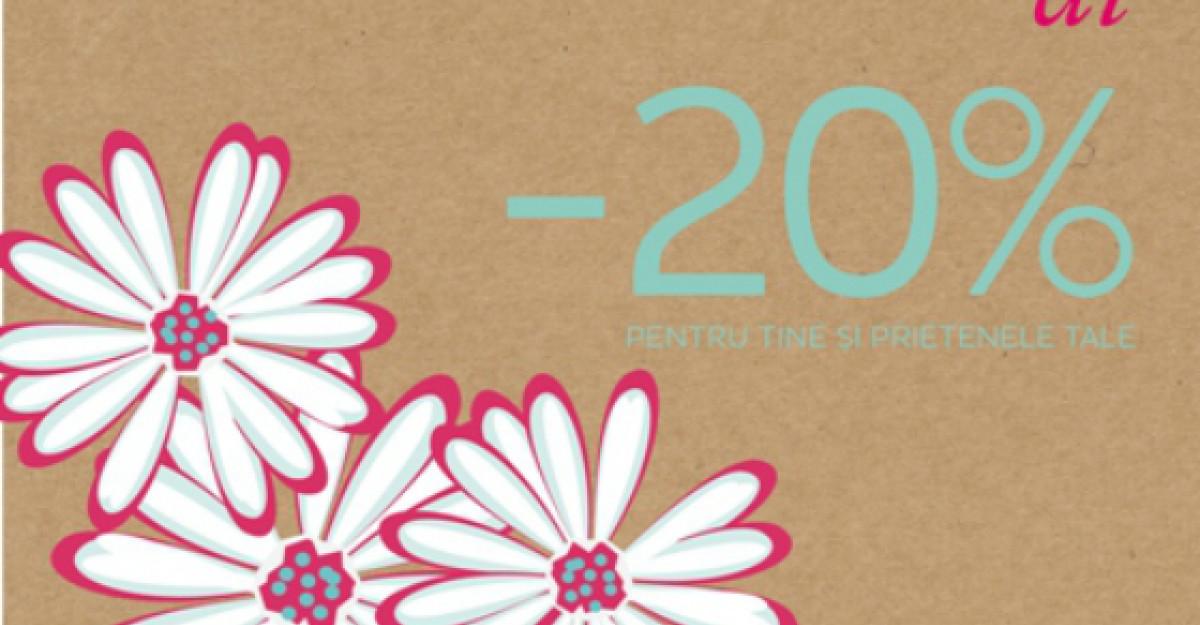 Vin Floriile cu cadouri fashion de la New Look