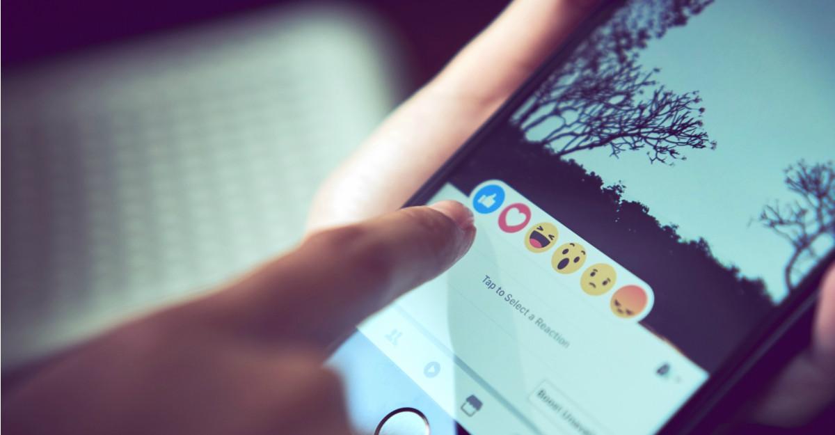 Statusuri pentru Facebook cu care să îți impresionezi prietenii virtuali