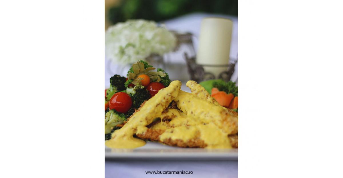 Kudi-Delicii: Piept de pui Von Brukenthal cu sos de ananas