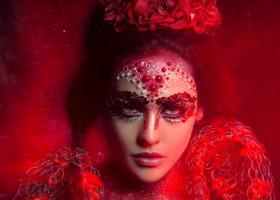 Astrologie: Femeia Rac, cea mai buna sotie din zodiac