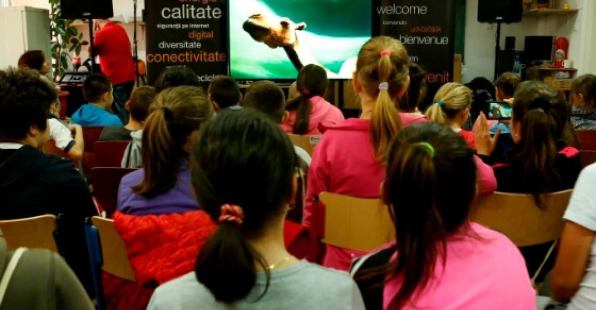 Peste 600 de copii din tara au mers in excursie virtuala la Muzeul Grigore Antipa, cu ajutorul Orange Romania