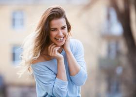 Cinci nevoi de care să te îngrijești pentru a fi fericită
