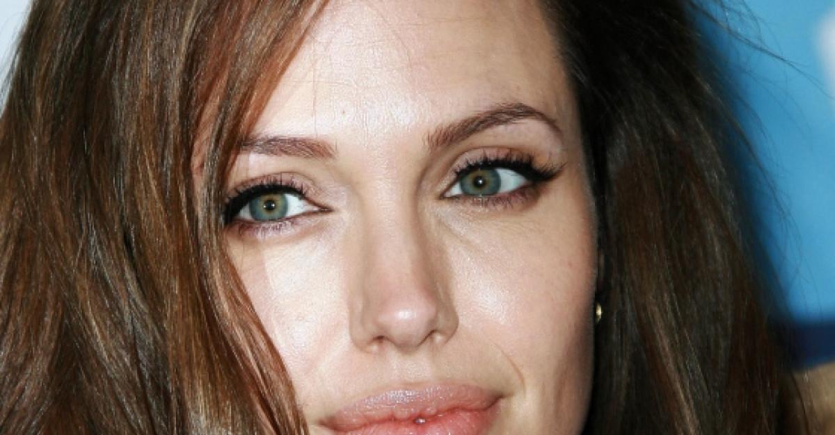 Foto: Angelina Jolie, schimbare radicala de look