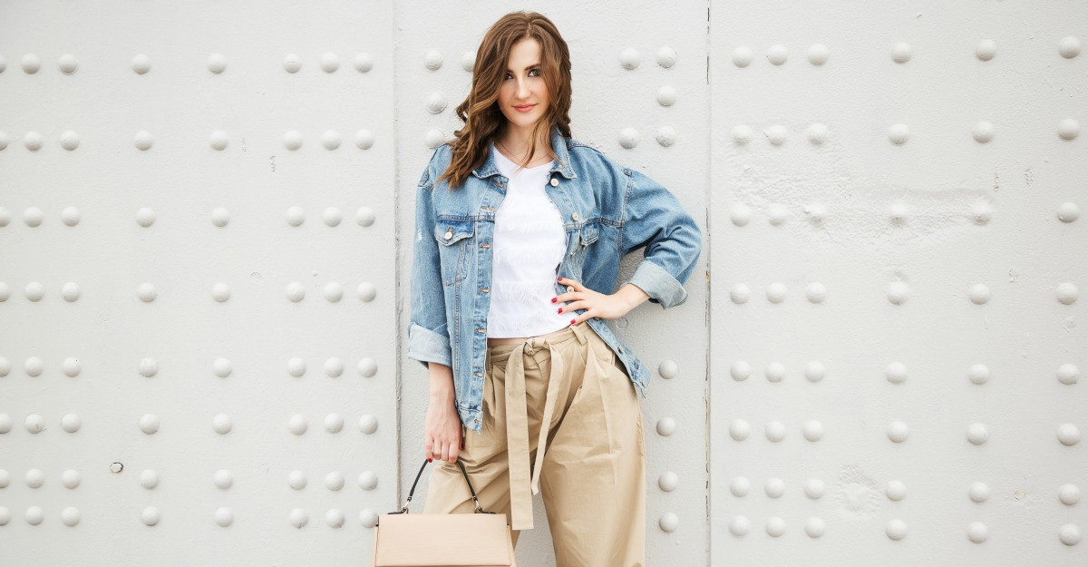 Pantaloni de firma sub 50 lei: 5 modele irezistibile