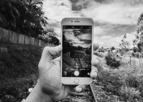 Parerea lui Radu: Fotografiile nu mai sunt pentru stocat memorii