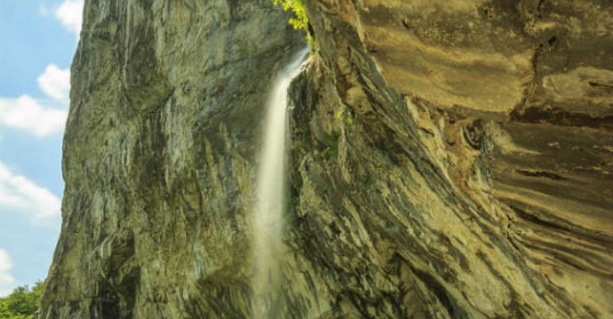 Galerie foto: Top 7 cele mai SPECTACULOASE cascade din Romania