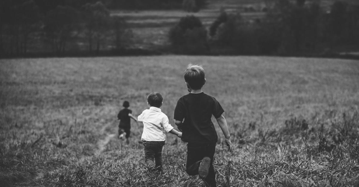 14 citate frumoase despre copii: Am nascut copii in lumea asta intunecata pentru ca aveam nevoie de lumina