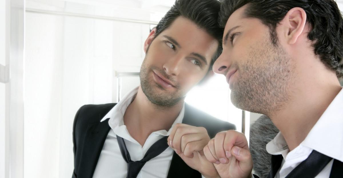 Zece caracteristici ale femeii care atrage bărbați narcisiști
