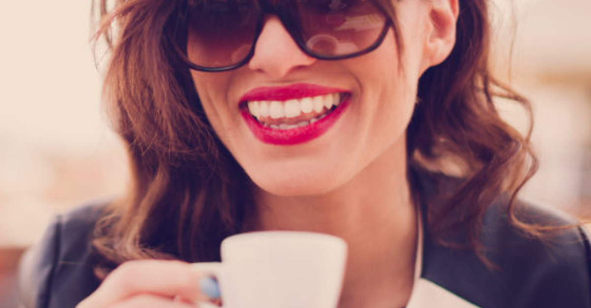 Cele 5 lucruri pe care o femeie independenta le are mereu in geanta