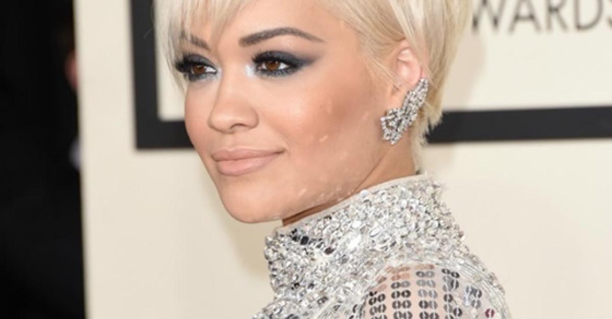 Rita Ora intoarce toate privirile pe covorul rosu al premiilor Grammys cu un look Rimmel London