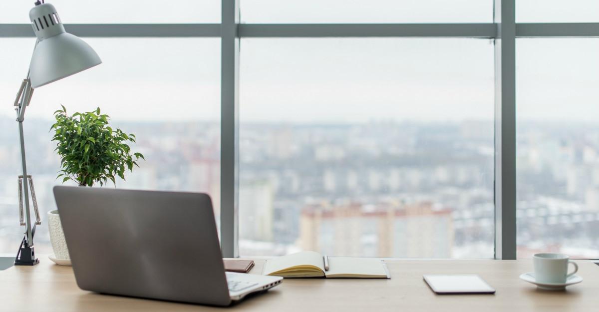 Redecoreaza-ti biroul la inceput de sezon! 6 idei de accesorii de birou simpatice si utile