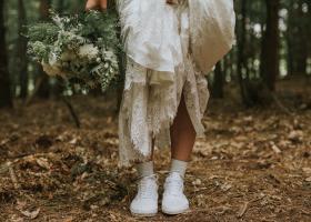 Sandale și pantofi pentru mirese: cum alegi modelele potrivite pentru nunta ta