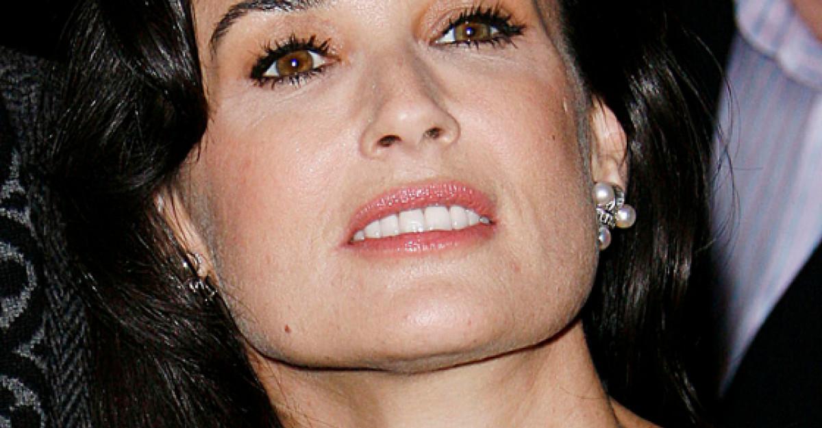 Foto: Demi Moore, perfecta la 50 de ani. Vezi aici cat de bine arata actrita