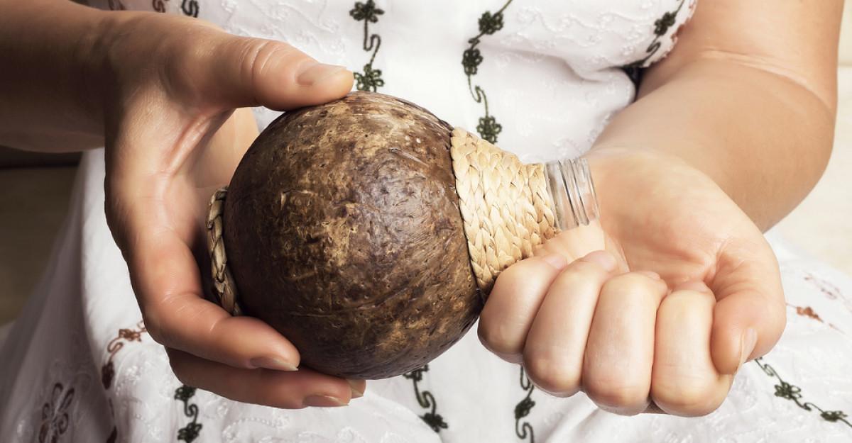 Uleiul de cocos la plaja: Care este parerea sincera a dermatologilor?