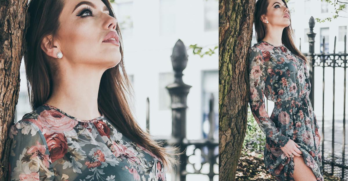 Rochia diafană cu motive romantice rămâne la modă chiar și la început de iarnă