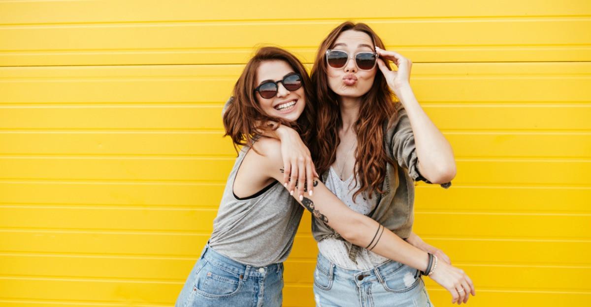 Semnele care te ajuta sa recunosti un prieten fals