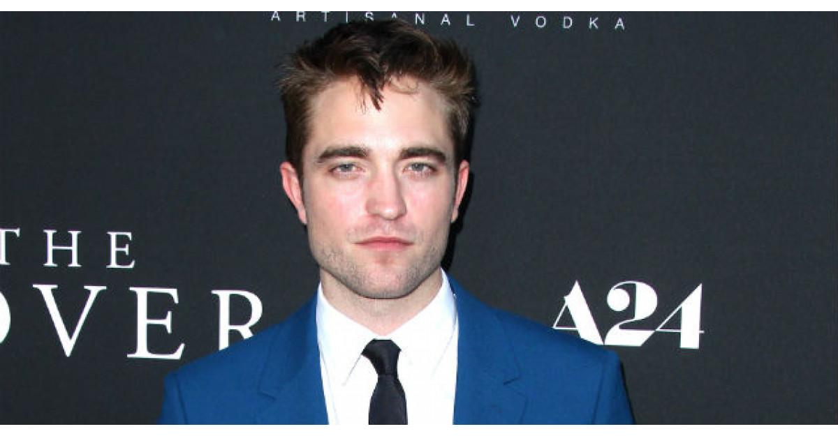 Robert Pattinson s-a logodit. Cine este frumoasa care i-a cucerit inima?