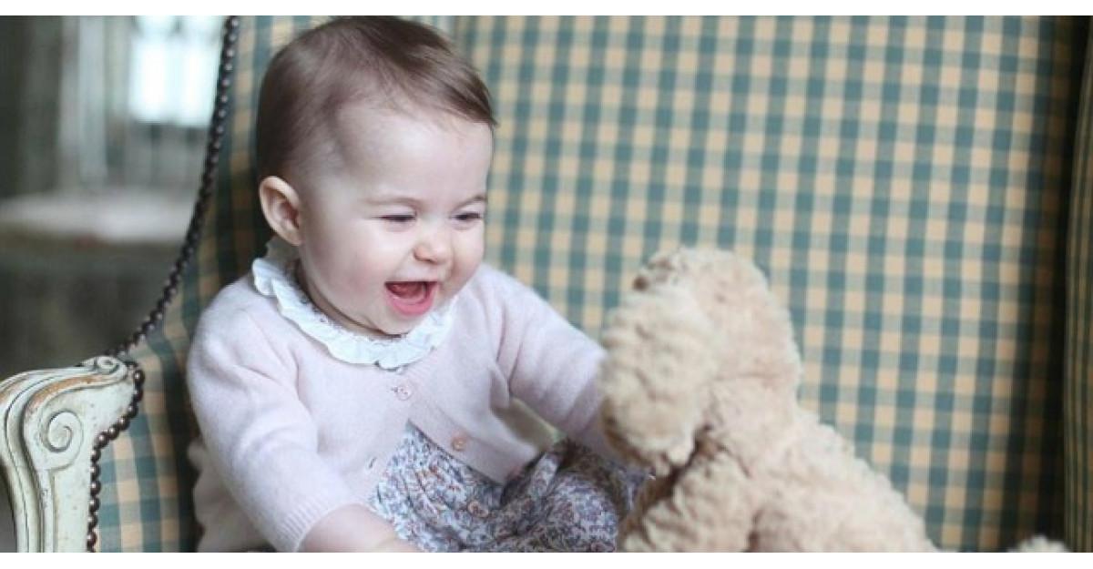 Imagini noi cu Printesa Charlotte au fost facute publice