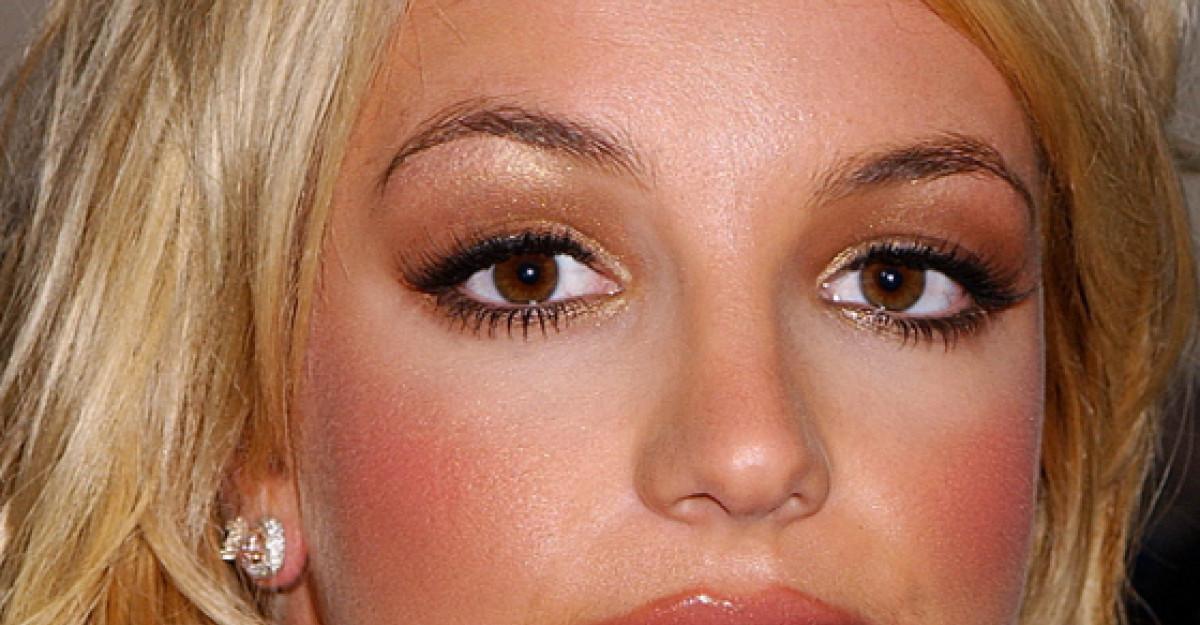 Foto: Cum arata Britney Spears fara Photoshop?