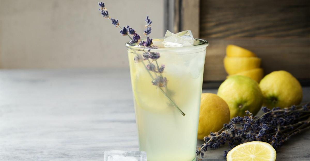 Cum să prepari cea mai răcoroasă limonadă pentru zilele călduroase