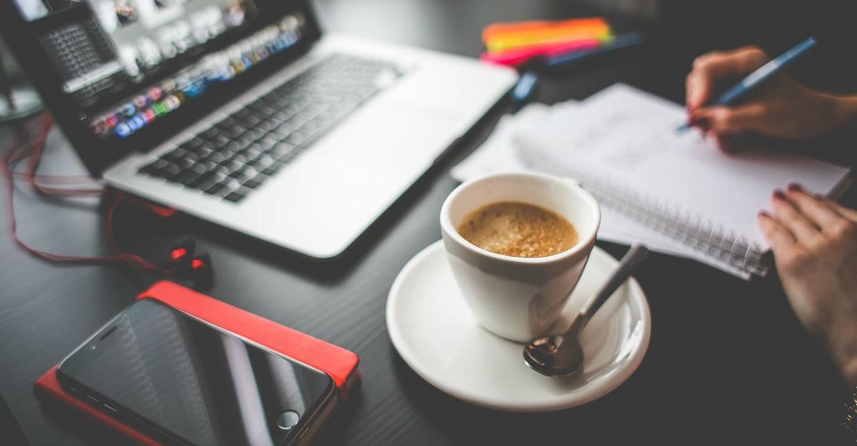 7 idei pentru personalizarea biroului tău