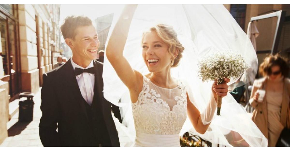 De ce ne lasam sotiile singure intr-o casatorie construita pentru doi?