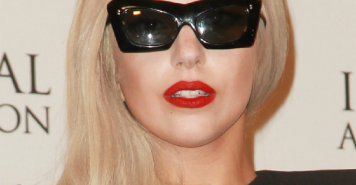 Foto: Lady Gaga, in costum de baie