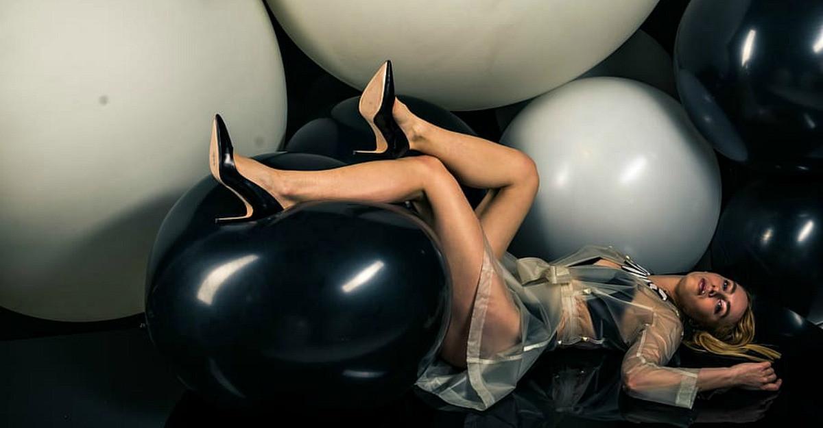 Cum să faci senzație purtând pantofi stiletto