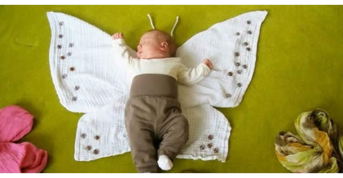 Video: A pus o camera video si si-a filmat bebelusul dormind, insa nu se astepta sa surprinda ASTA