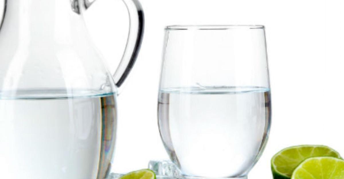 (P) Expertul ne indeamna: Consumul de lichide pentru o hidratare optima