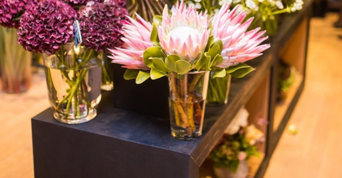Floria in Strada - floraria destinatie pentru flori si cadouri create de artisti locali, la Piata Dorobanti