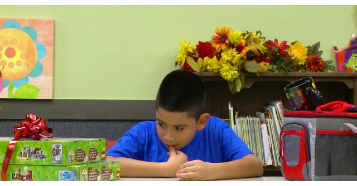 Acest copil a fost rugat sa aleaga intre cadoul mult visat si un cadou pentru parintii lui. Ce a urmat?