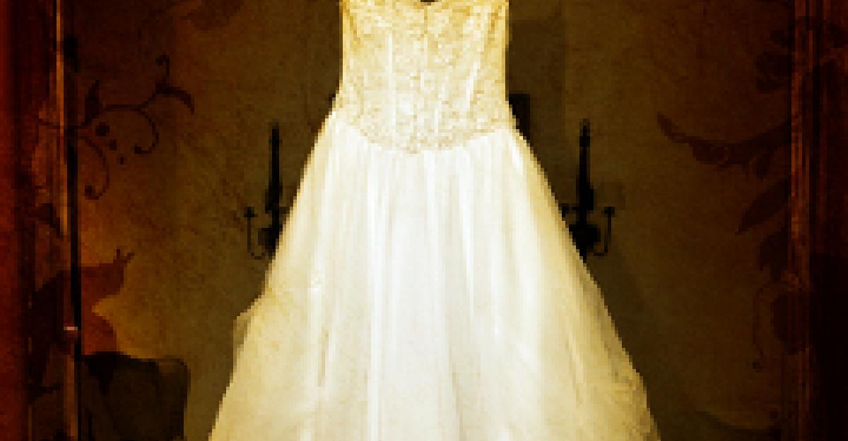 Nunta de epoca si rochie pe cupoane