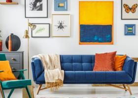 Piese de mobilier si decoratiuni colorate