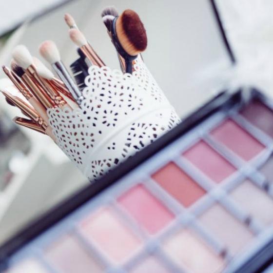 Cum să cumperi cosmetice bune la prețuri mici și să economisești