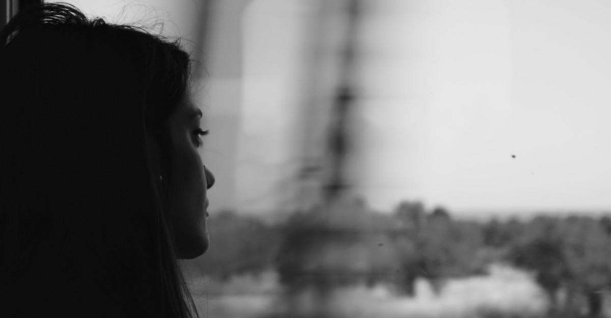 Ce faci atunci cand te simti deprimata, izolata si pierduta