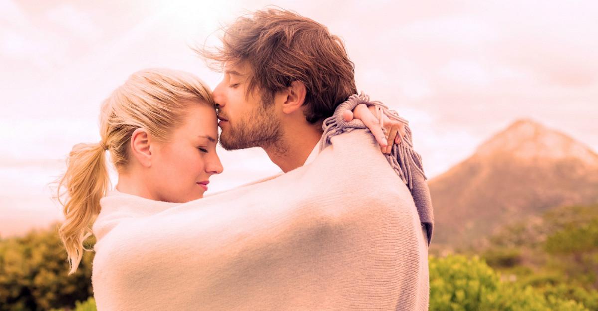 Cele 6 semnificații ale sărutului pe frunte