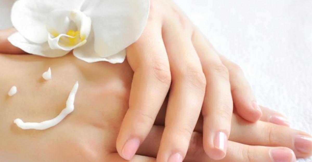Shopping: Cosmetice pentru sezonul rece: 5 produse pentru ingrijirea mainilor